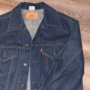 Vintage Levi's Denim Jacket!